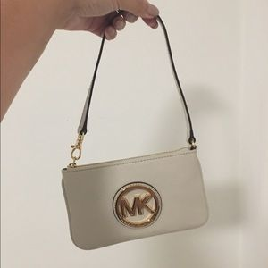 Like New Michael Kors Fulton Wristlet